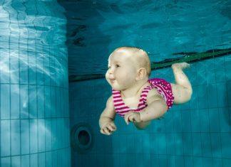 beneficios da natação para o bebê