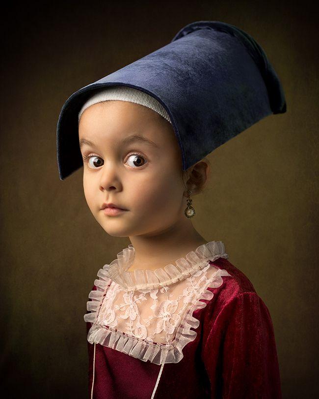 retrato de epoca obra de arte - Menina participa de releituras de grandes obras de arte