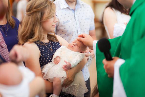 Importância do Padrinho e Madrinha de Batizado