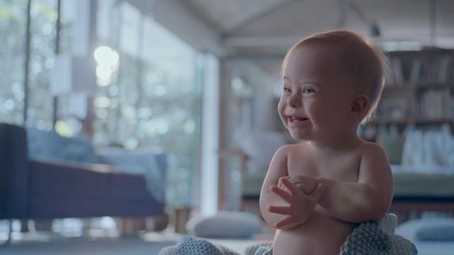 Bebê com Síndrome de Down - Campanha Johnson's de Dia das Mães