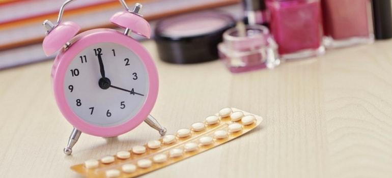 tomar pílula na mesma hora