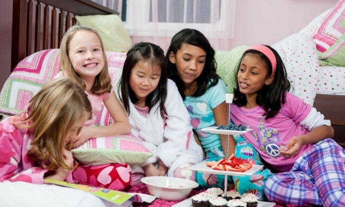 convites para festa do pijama