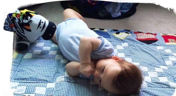 Mês 3 Atividades sensorias para seu bebê 3 - Mês 3 – 10 Atividades sensoriais para o seu bebê