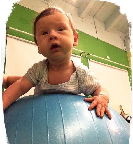 Mês 3 Atividades sensorias para seu bebê 4 - Mês 3 – 10 Atividades sensoriais para o seu bebê