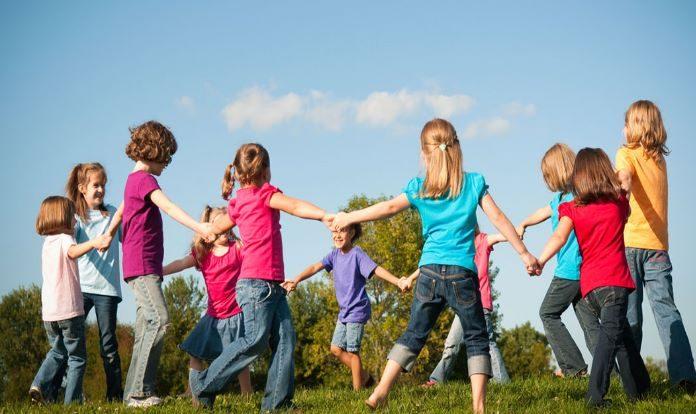 Cantigas falcloricas brincare Roda e as Crianças