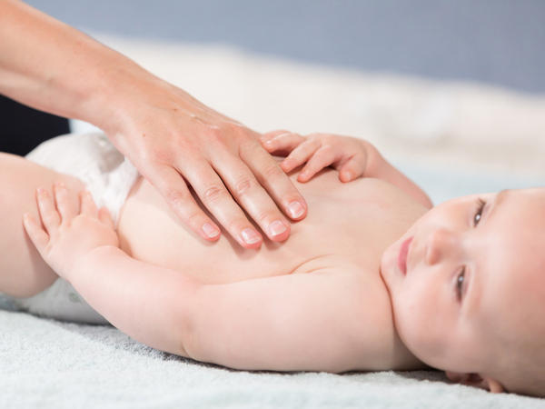 como massajar bebe fotos4