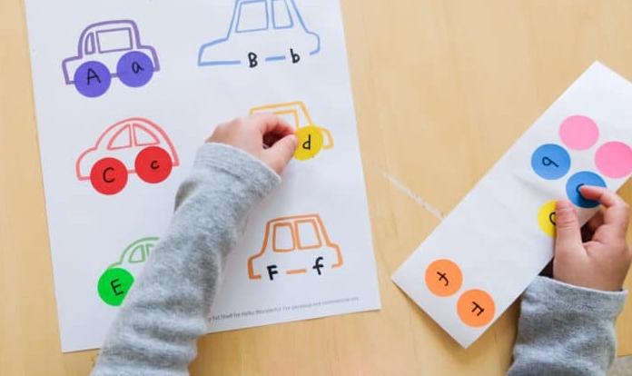 Carros para aprender as cores, letras e números